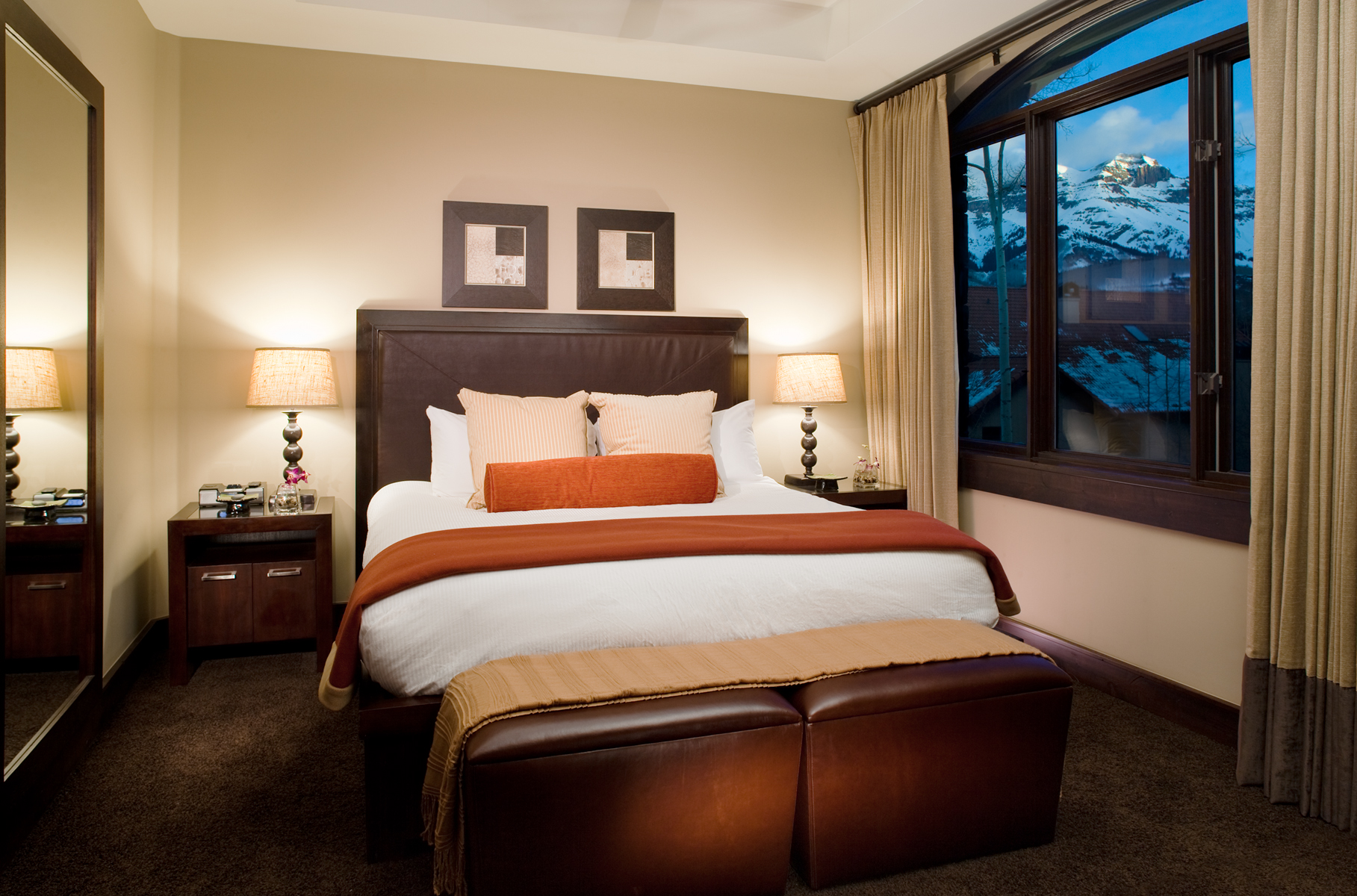 Interior bedroom of Telluride Luxury hotel