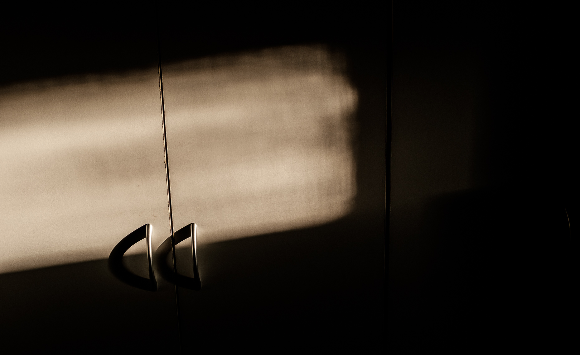 20180213_morning_light_handles
